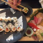 5pc Sashimi & Sushi Roll Platter (with miso and seaweed salad) For 1 Person $15.95