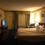 Foto de Days Inn & Suites Savannah Gateway/I-95 and 204