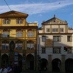 Maison Smiřických et Maison Montags place Malostranské (avec cadran solaire)