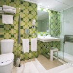 Baño habitación adaptada