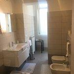 Spacious bathroom - modern/clean