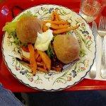 Seitanburger ja bataattiranskalaiset