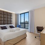 Superior Double Room located on the 10th floor, the highest one. Nice views from Paseo Mallorca.