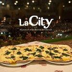 PIZZONE Braccio di Ferro con mozzarella, spinaci, salsiccia, scamorza #Pizzone