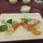 Фотография Tuxedo Restaurant & Cafe