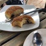 Le Bon Delice French Patisserie Foto