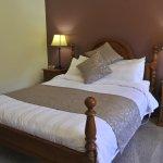 Our premium Queen rooms