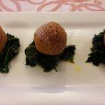 Falafel, polpettine speziate di lenticchie di Castelluccio, amaranto e spinaci