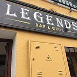 Legends Bar & Grill Foto