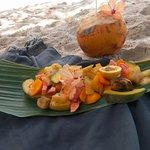 coco fraiche + plateau de fruits
