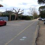 Zona aparcamiento frente al restaurante.