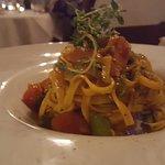 Linguine Fresche con ricci e fave