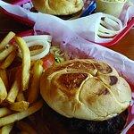 Toasted Buns! Hot. Nice burger basket