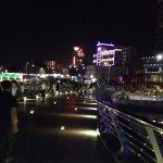 Le soir à la sortie de l'hôtel 2.