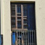 Nostalgischer Fensterladen, allerdings nicht mehr zu Öffnen.