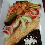 We have a variety of platters with Shrimp, Fish and other seafoods. (Camarones ala mexicana)