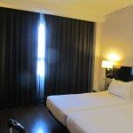 Photo de AC Hotel Sevilla Torneo
