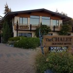 Photo de The Chalet Boutique Motel