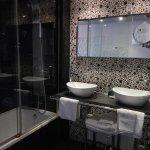 Zona lavabos y bañera