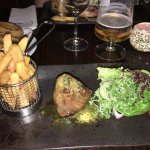 Fillet steak with chips in a basket (what's wrong with the plate)