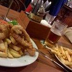Peixe com fritas e Hamburguer