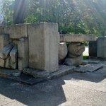 Particolare del monumento