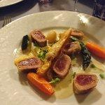 Croustillants de thon rouge mi-cuit aux petits légumes du moment