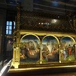 Chasse de Saint Ursule (Memling) : oeuvre majeure méritant meilleure une exposition