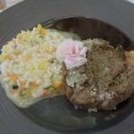 Le veau très tendre, et le risotto aux légumes un régal