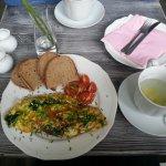 3 egss omelette