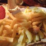 "Welsh & frittes ""maison"""