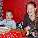 Assiette Tapas pour l'entrée et Galette pour notre fils de 3 ans et demi.