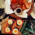 This is a picture of the smoked salmon dish and pastry basket