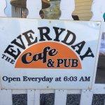 Foto de The Everyday Cafe & Pub