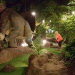Photo de Dino Park Mini Golf