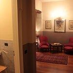 """Camera """" Le Macine """" - bagno privato, balcone con vista panoramica - B&B vicino ad Alba."""