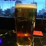 二階席から 冷たいビール