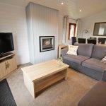 Superior Lodge Lounge