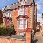 creston-villa-lincoln-guesthouse-accommodation-1_large.jpg