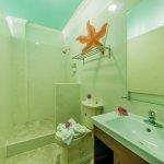 4th Floor Bathrooms