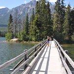 Pyramid lake02