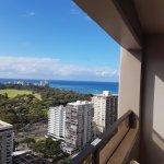 Photo de Aston Waikiki Sunset