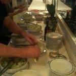'5 atar' salad bar!!