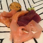 Tuna and Salmon sashimi. Excellent !!