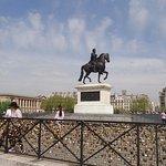 statue equestrede Henri IV et la samaritaine