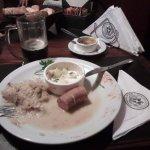 Chucrut con salchicha alemana y papas perejiladas