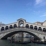 Photo de Ponte di Rialto