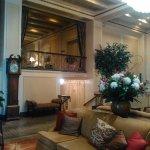 Photo de Mayflower Park Hotel