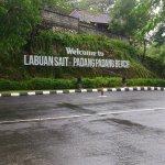 Photo de Padang Padang Beach