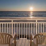 Oceanfront Guest Room - Balcony